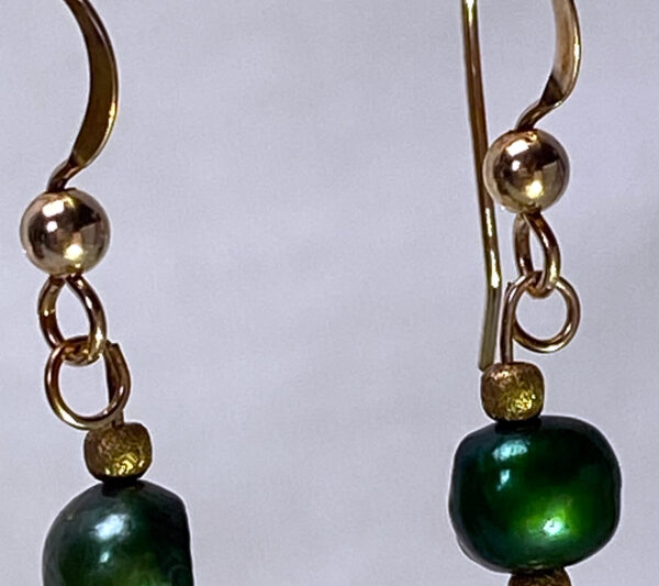 pearl-chalcedony3